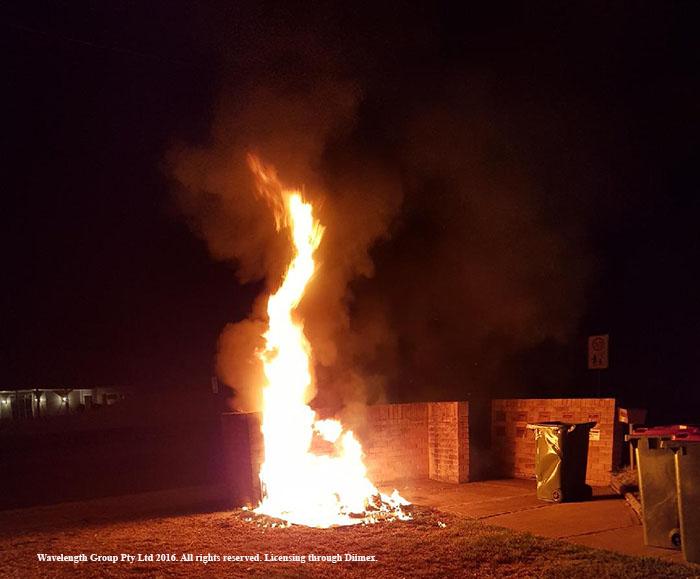 The wheelie bin fire in Wverley Street last night.