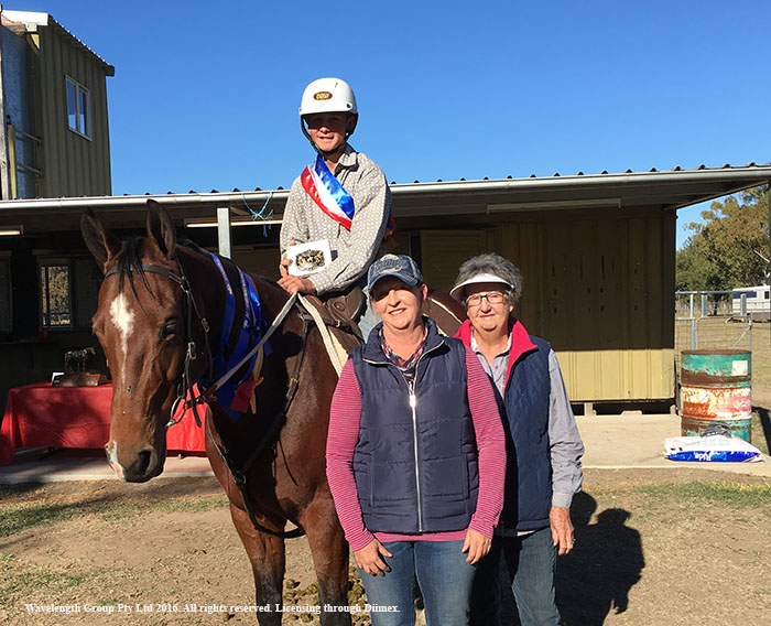 Junior Stockmans Challenge winner Tyler Kelly with mum Michelle and grandmother Barbara.